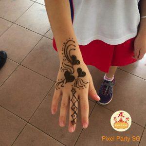 Henna-tattoo-service-singapore